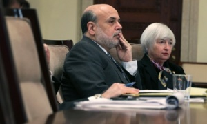 Bernanke Yellen hand on mouth